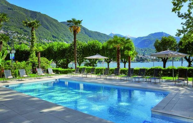 romantikwochenende-locarno-pool