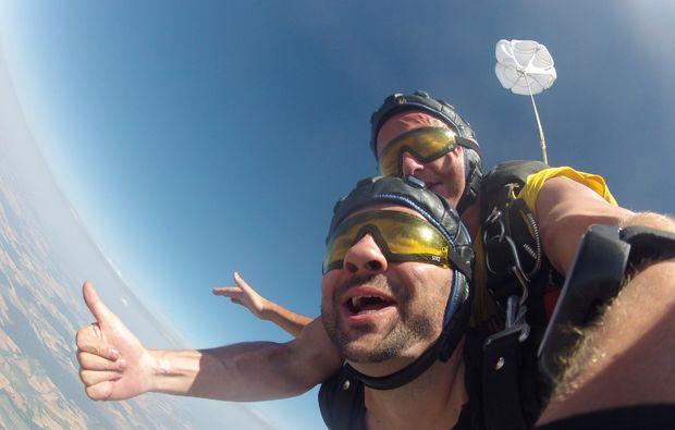 fallschirm-tandemsprung-arnbruck-freier-fall