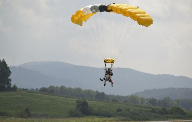 fallschirm-tandemsprung-arnbruck-landung-x