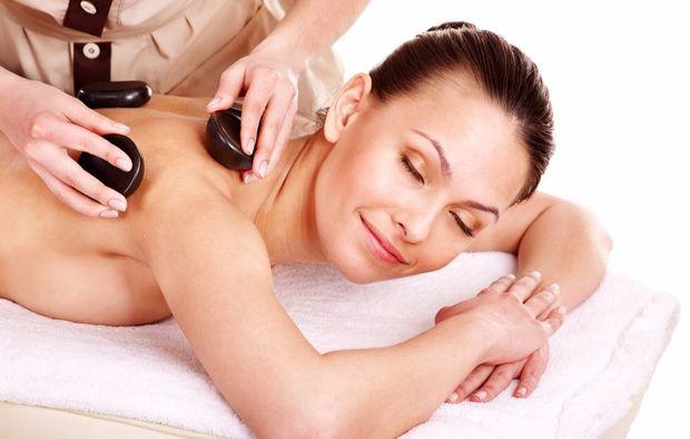 hot-stone-massage-linz-relaxing