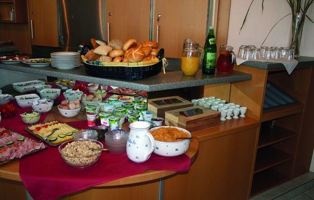 kurzurlaub-nebersdorf-buffet