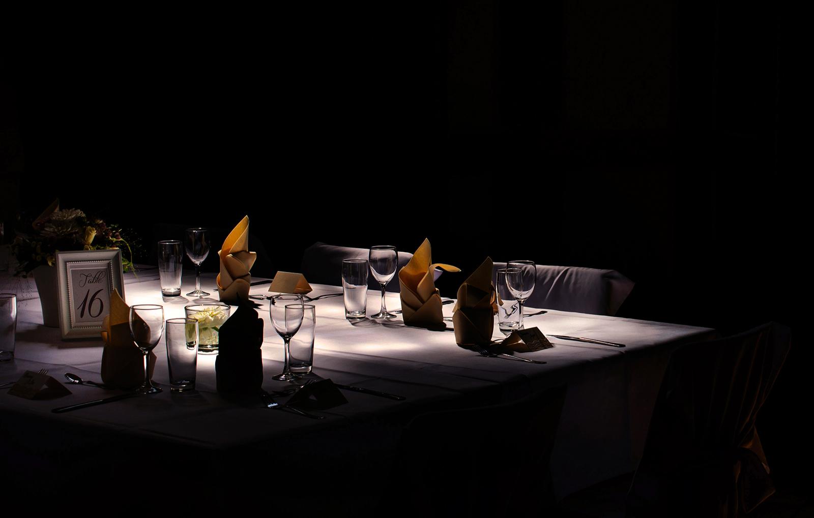 box_dinner-in-the-dark_3-gaenge-menue-hotel-innsbruck-innsbruck-bg4