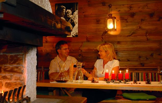 candle-light-dinner-fuer-zwei-ramsau-am-dachstein-romantik