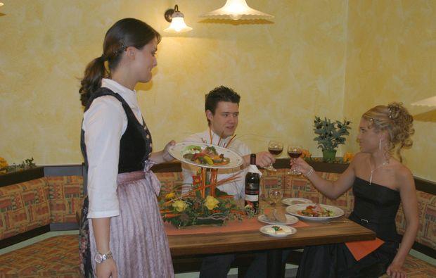 kuschelwochenende-loewenstein-hoesslinsuelz-dinner