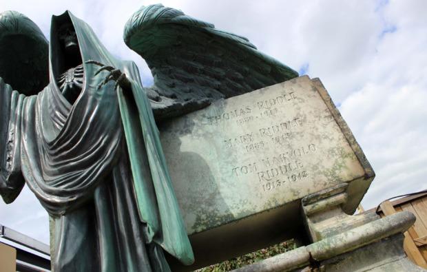 erlebnisreise-london-drehortreise-statue