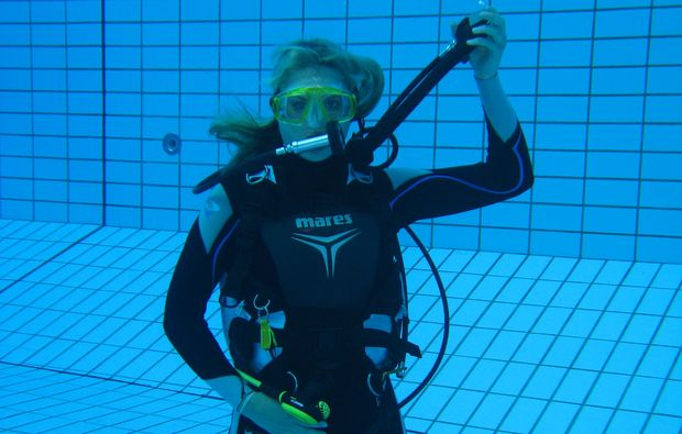tauchschnupperkurs-muenchen-swim