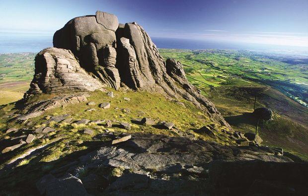 erlebnisreise-irland-thrones-landschaft