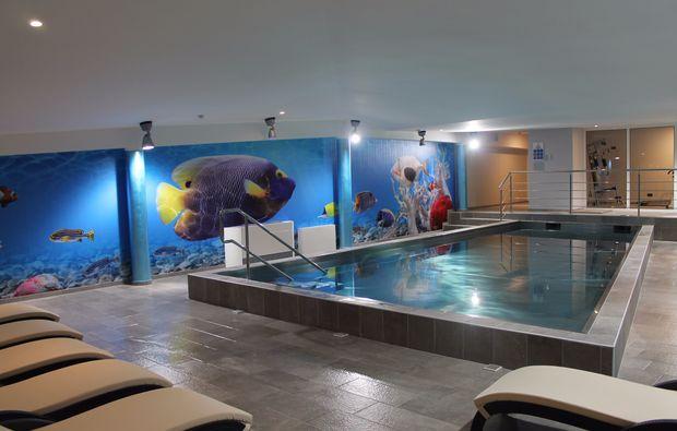 wellness-wochenende-krapinske-toplice-schwimmbad
