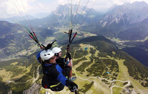 gleitschirm-tandemflug-lermoos-fliegen