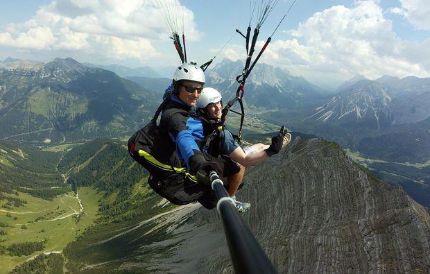 gleitschirm-tandemflug-lermoos-gleitflug