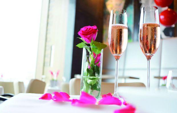 candle-light-dinner-fuer-zwei-moenchhof-romantik