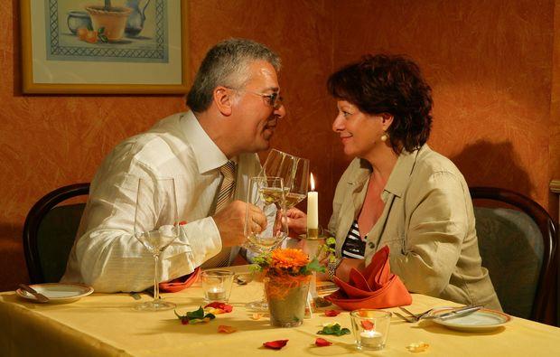 candle-light-dinner-fuer-zwei-zirndorf-romantisch