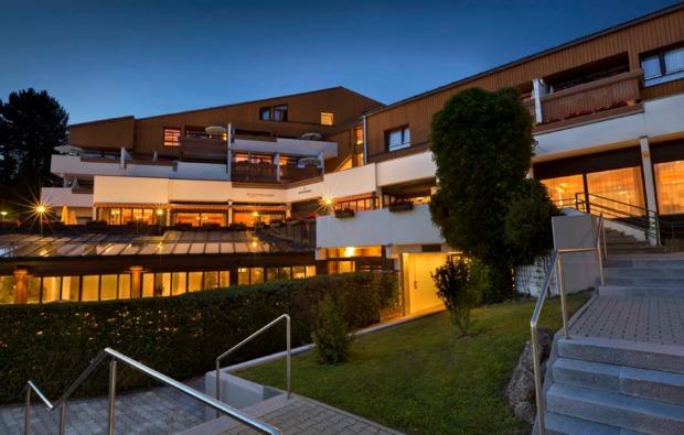 romantikwochenende-schliersee-hotelansicht