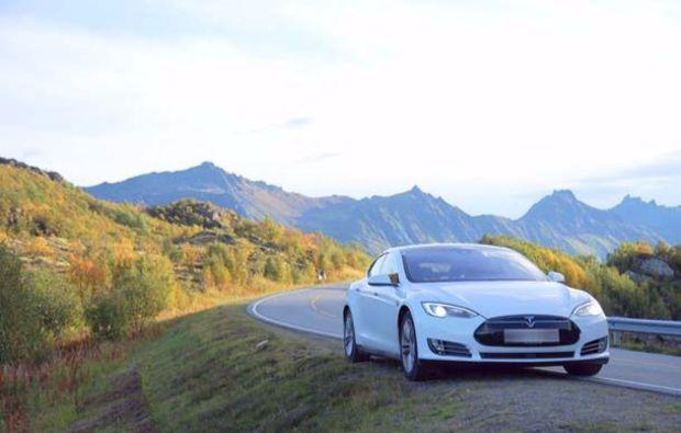 tesla-mieten-wien-elektroauto-reichweite-testen