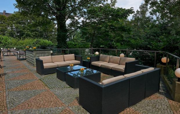 staedtereise-duesseldorf-hotel-terrasse