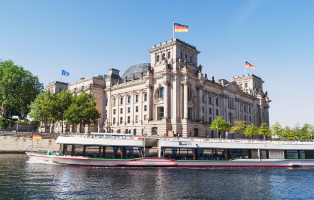 traumtag-fuer-zwei-berlin-flussfahrt