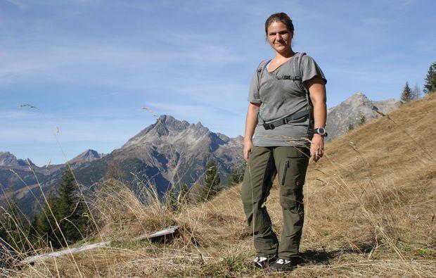 wander-tour-haeselgehr-graues-shirt