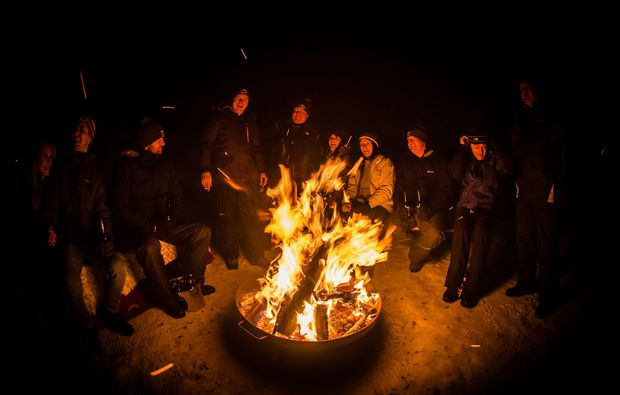 uebernachtung-im-iglu-kuehtai-lagerfeuer