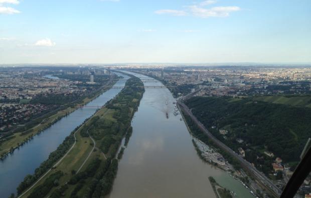 hubschrauber-rundflug-bad-voeslau-bg2