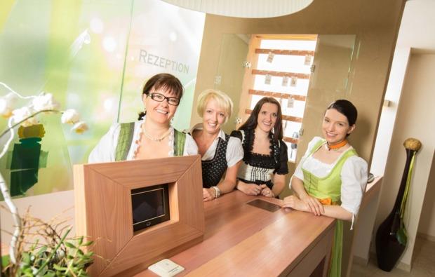 kulinarische-reise-st-kathrein-am-offenegg-rezeption