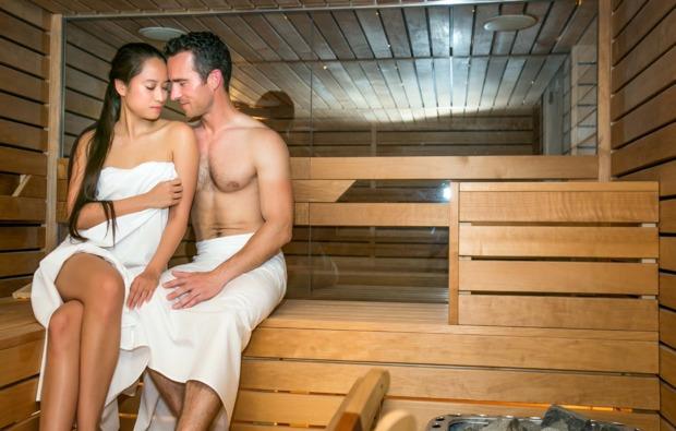 kurztrip-heviz-sauna-entspannen