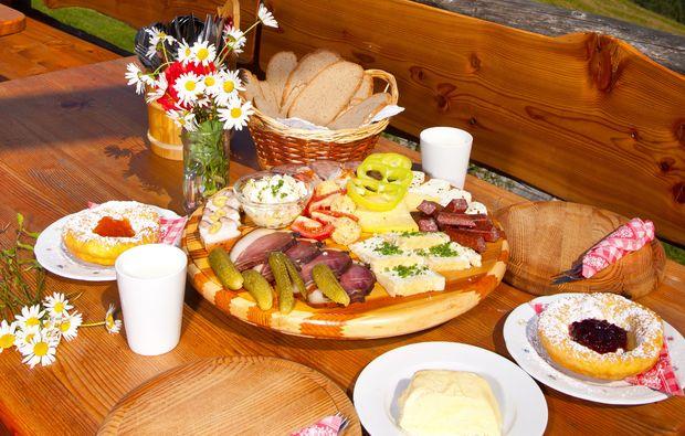 schlemmen-traeumen-st-martin-am-tennengebirge-fruehstueck