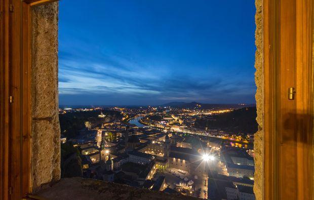 festung-hohensalzburg-ausblick-ferne-nacht