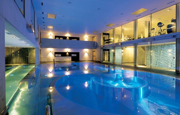 gourmetreise-seefeld-in-tirol-pool