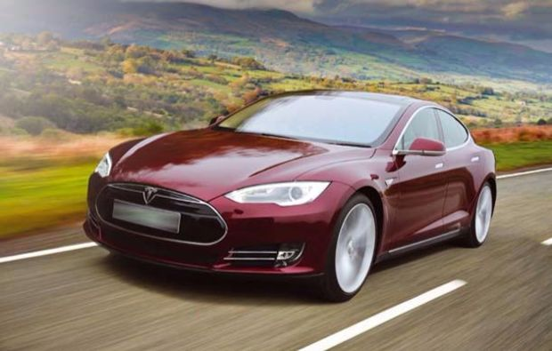 tesla-fahren-mils-innsbruck-zero-emission
