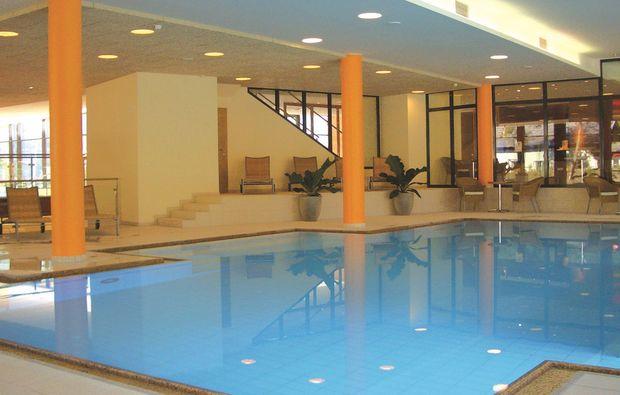 wellnesshotels-pertisau-schwimmbad