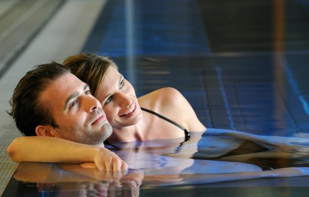 romantikwochenende-saalfelden-whirlpool