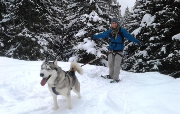 husky-schneeschuhtrekking-triebental-fun