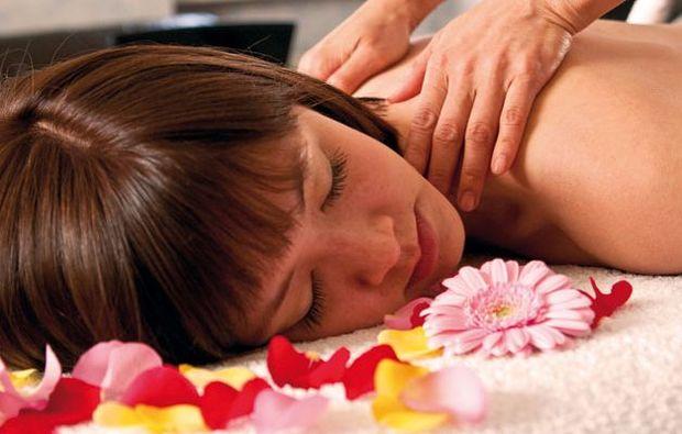 kuschelwochenende-kukmirn-massage