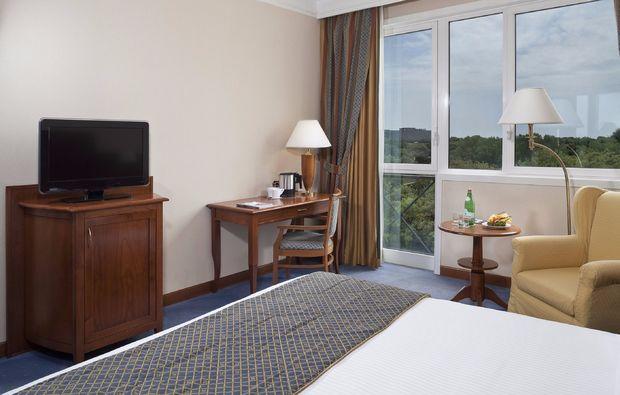 hotel-schwimmen-zimmer_614689305301510937321