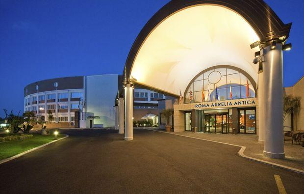 hotel-schwimmen-zimmer_61510937137