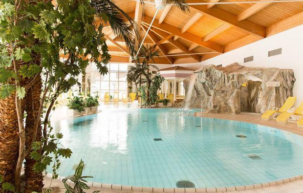wellnesshotels-reith-bei-kitzbuehel-schwimmbad