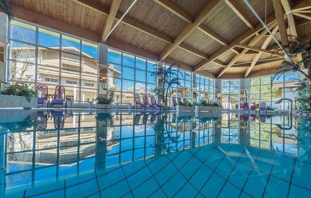 wellnesshotels-reith-bei-kitzbuehel-schwimmen