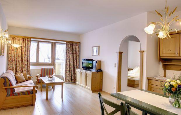 wellnesshotels-reith-bei-kitzbuehel-wohnzimmer