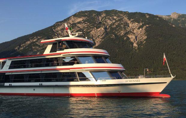 schiffrundfahrt-pertisau-achensee-ausblick