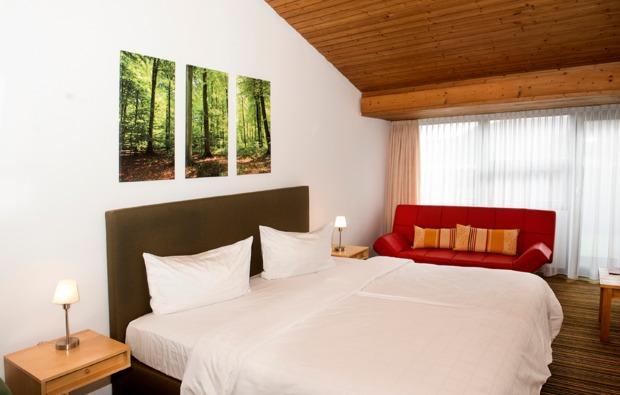 kurzurlaub-muehlhausen-im-taele-schlafzimmer