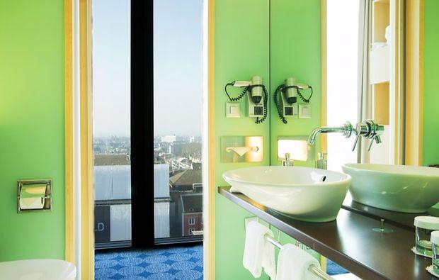 romantikwochenende-basel-hotelbadezimmer