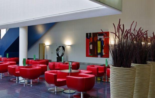 romantikwochenende-basel-lobby