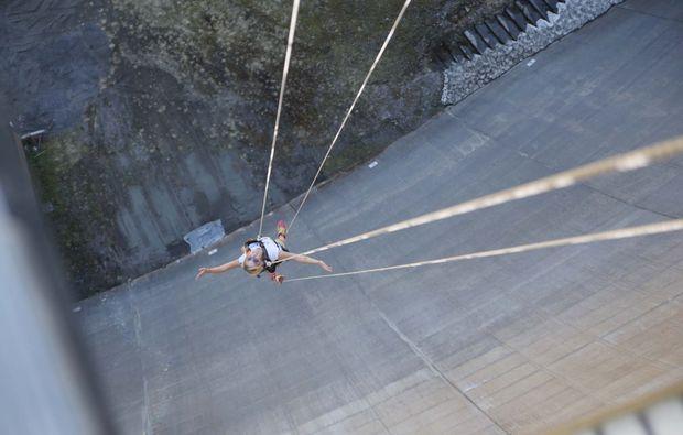 action-kombi-flying-fox-abseilstation-finkenberg-staumauer