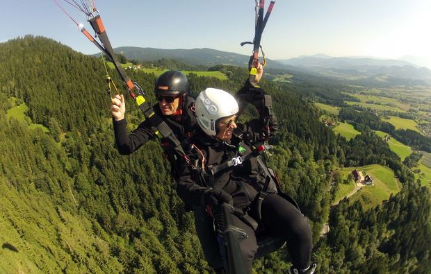 gleitschirm-tandemflug-sankt-peter-am-ottersbach-action