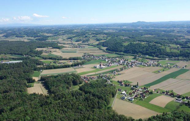 gleitschirm-tandemflug-sankt-peter-am-ottersbach-ausblick