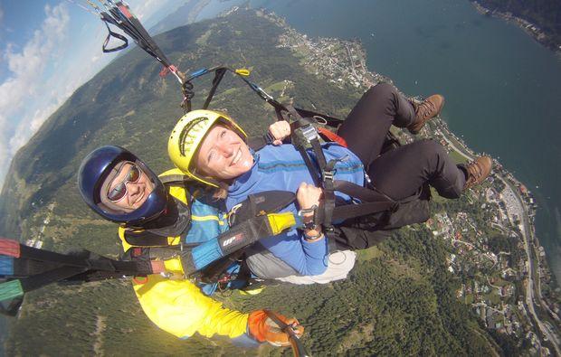 gleitschirm-sommer-tandemflug-romantikflug-fliegen-erlebnis