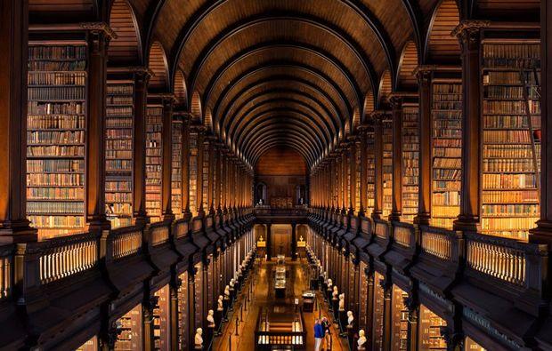 erlebnisreise-drehorte-irland-bibliothek