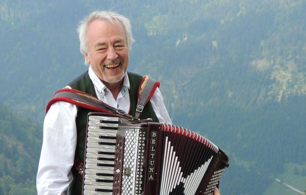 jodelseminar-haunshofen-glatze-grinsen