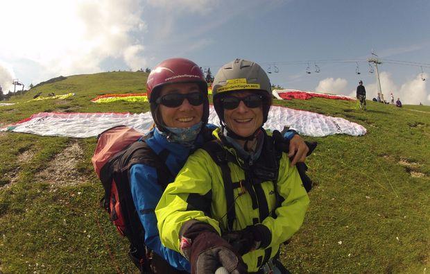 gleitschirm-tandemflug-koessen-selfie