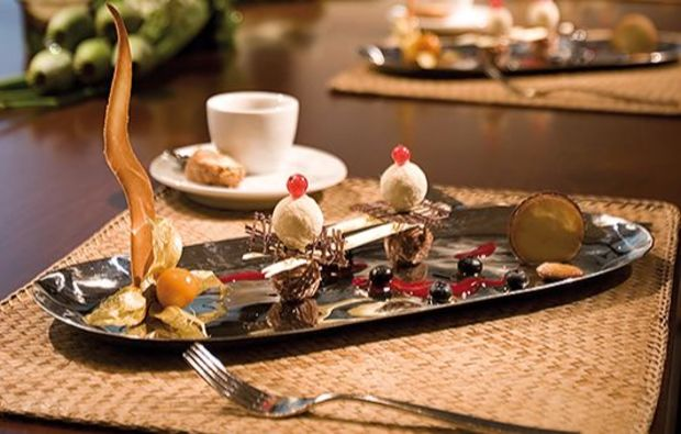 jumping-dinner-kaffee-mit-dessert